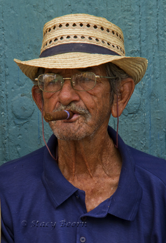 Cuba 3 - Cigar Smoker 01 copy